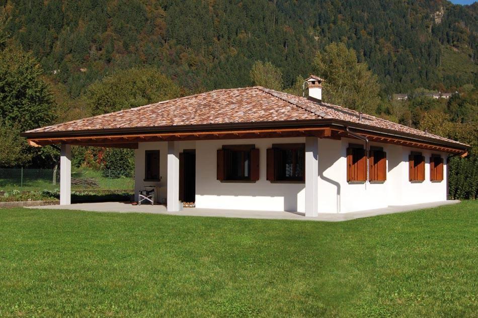 Casa a un piano con porticato abc costruzioni for Case ecologiche costi