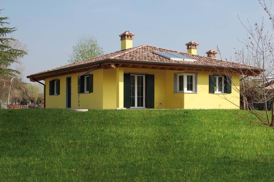 Casa a un piano pianta quadrata