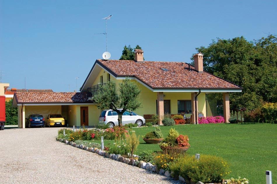 Casa / Villetta a due piani