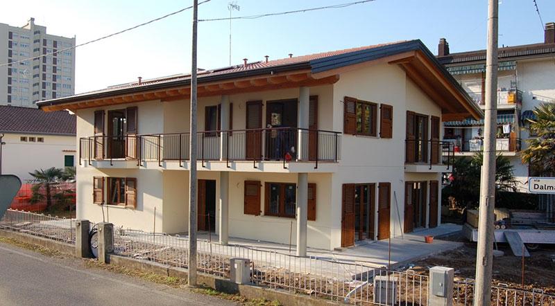 Casa bipiano di demo-ristrutturazione