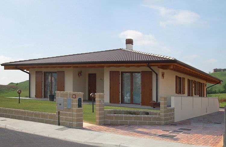 Casa monopiano di grandi dimensioni