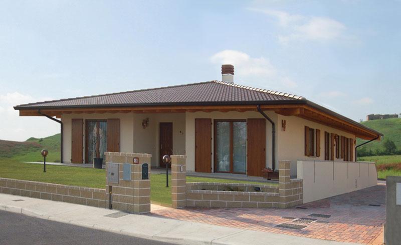 Casa monopiano di grandi dimensioni abc costruzioni - Casa piano rialzato ...