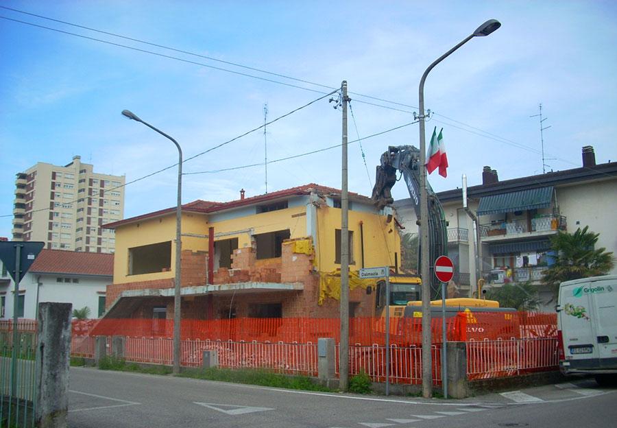 Prima&Dopo: le potenzialità delle demo-ricostruzione.